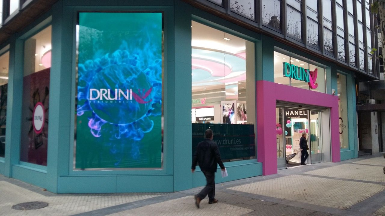 DRUNI incorporates LEDDREAM's LED solutions into its flagship