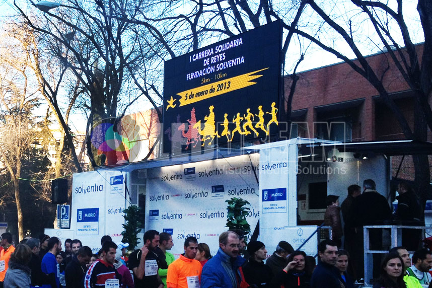 Renting of our podium van with 10mm 12m² LED screen for magic kings day race in Madrid