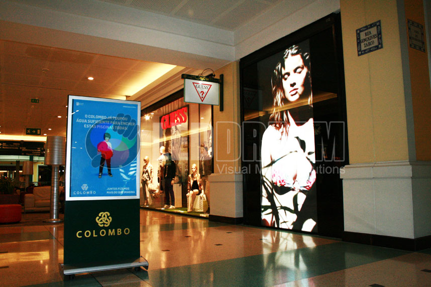Indoor high brightness LED screen for retail, C.C. Colombo Lisboa (Portugal)