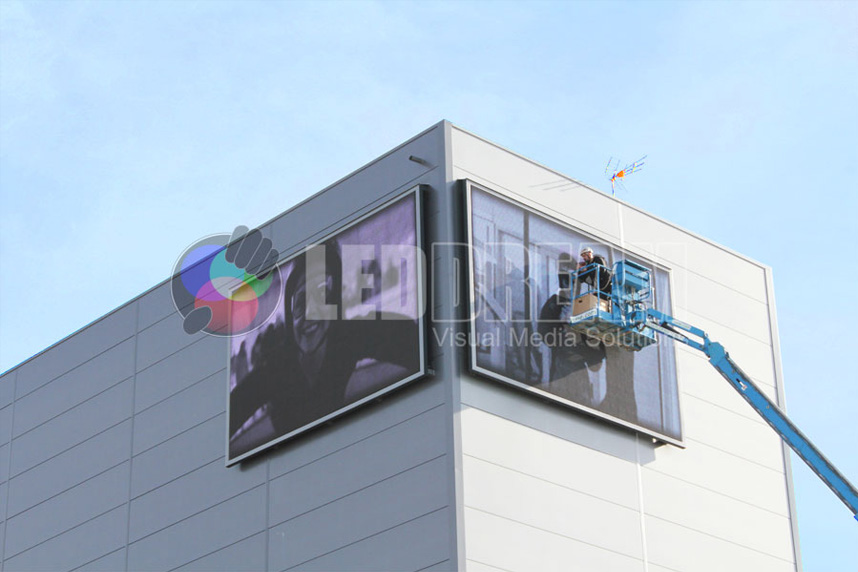 Two outdoor LED screens frontal maintenance, Windoor Air Tunnel, (Empuriabrava, Girona)